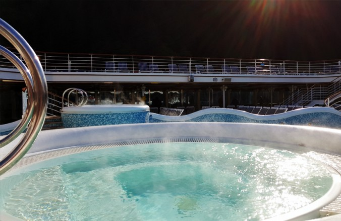 Hot Tub in Juneau - cruisemood